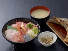 日替り黒海鮮丼